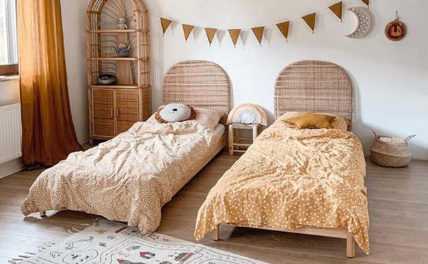 El mobiliario y los acabados más saludables para el dormitorio de los niños son los materiales naturales.